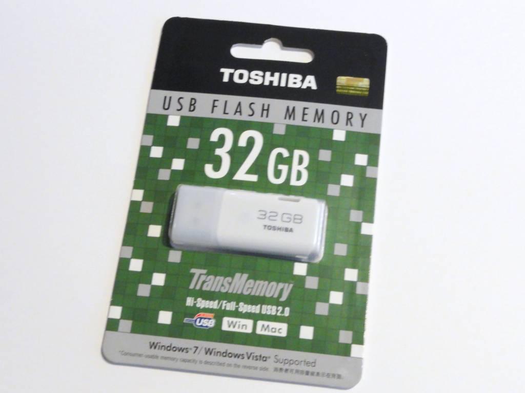 東芝 TransMemory UHYBS-032GH [32GB]