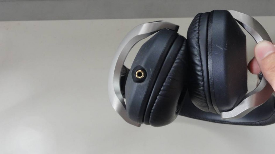 Sony Headphone MDR-Z1000 (1)