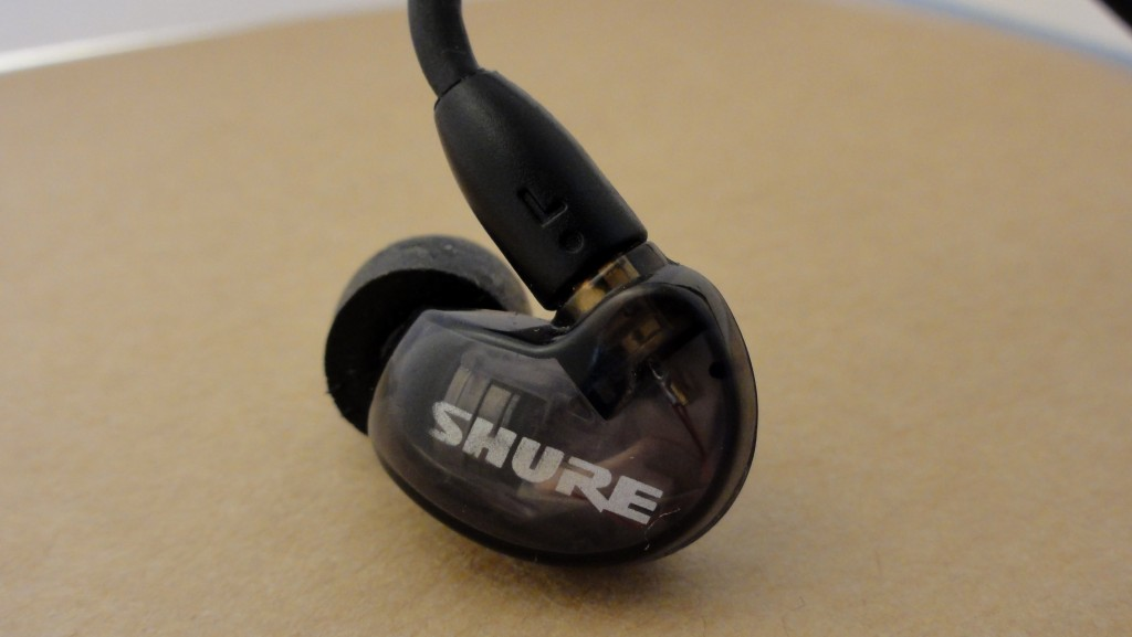 Shure SE215 review noise isolation (5)