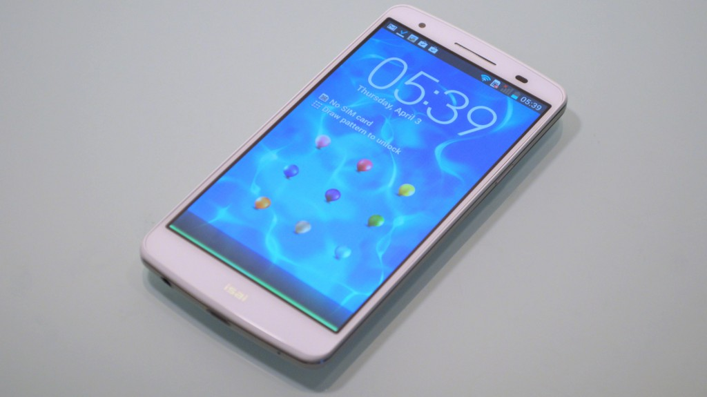 au Smartphone isai LGL22 front LCD (1)