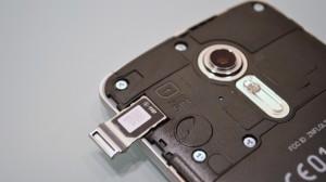 nano SIM holder of isai LGL22