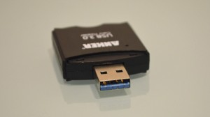Anker USB card reader writer USB port (2)