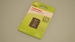 Toshiba SDHC card SD-K016GR7AR30 front package (2)