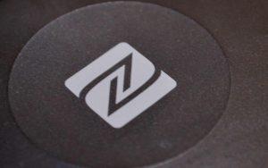 Bluetooth受信機搭載のNFCロゴ